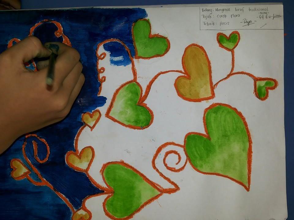 sebenarnya bukan mencanting tapi menggunakan kertas lukisan krayon dan warna air sahaja cantikkan