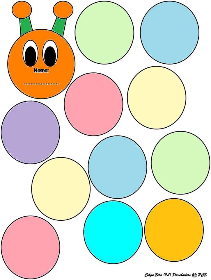 guru mengagihkan template badan ulat kepada setiap murid murid mewarna badan ulat murid menggunting template yang telah siap di warna