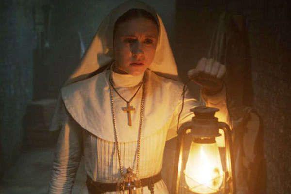 Gambar Nun Bermanfaat Kengerian Valak Di Cuplikan Teaser Film the Nun Kincir